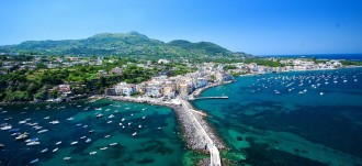 Wunderschöner Ausblick über Ischia Ponte