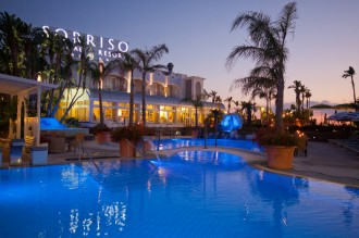 Hotel Sorriso Resort Forio Insel Ischia - Pool bei Nacht