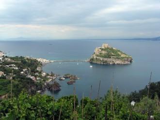 Blick auf die Burg Castello Aragonese - Insel Ischia