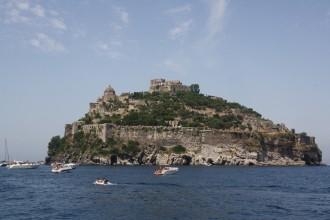Bootsverleih Ischia - Blick auf das Castell Aragonese
