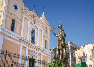 Kirche und Schutzpatron San Vito