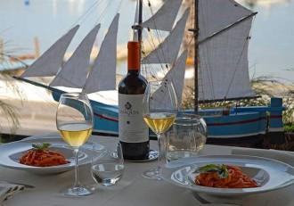 Nudeln mit Tomaten - Inse l Ischia
