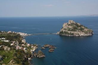 Wanderungen Ischia Piano Liguori mit Blick auf die Burg Castell Aragonese