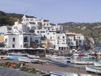 Schiffsausflüge Ischia und Golf von Neapel