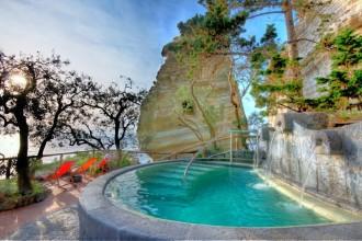 Poseidon- Freibad mit Garten