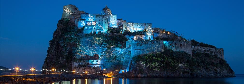 "<span class=""fancy-title"">Castello Aragonese bei Nacht - Ischia Ponte</span>"