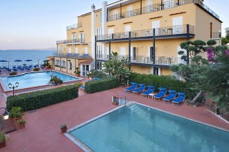 Hotel Parco Aurora **** Ischia Porto - Direkt am Meer