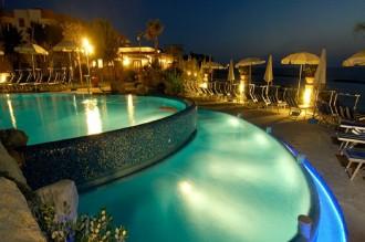 Hotel Tritone - Freibad bei nacht